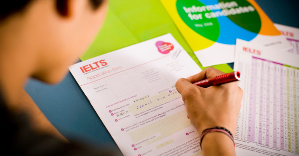 What score can I get on IELTS and how do Russian-speaking students pass the test?